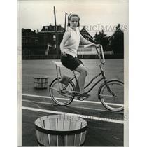 1966 Press Photo Kathleen Murphy of bike Brigade, Ohio - nef53426