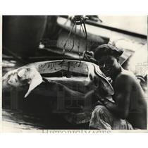 1929 Press Photo Jose Gomes and Head of Giant Bay - nef35013