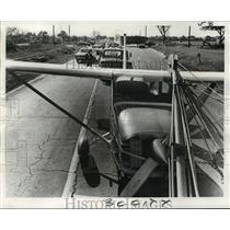 1971 Press Photo Airplane Accident-Light plane gets towed to Lakefront Airport
