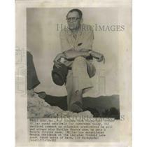 1956 Press Photo Playwright Arthur Miller Poses for Photographers, Reno, Nevada