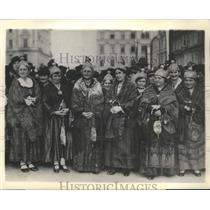 1937 Press Photo Princess Fanny von Starhemberg Austrian Women in Cloth of Gold