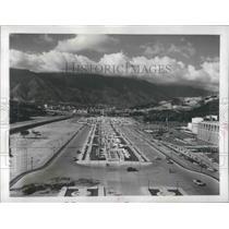 1951 Press Photo Caracas, Venezuela Avenue of Heroes Memorial - ftx01913