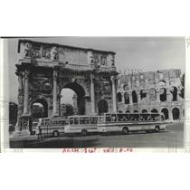 1975 Press Photo Arch of Constantine Buses, Rome, Italy - ftx02118