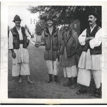 1944 Press Photo Romanian Peasants - ftx02127