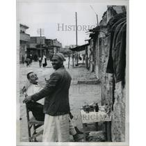 1956 Press Photo Figaro's Open Air Barber Shop in the Gaza Strip - mjx25624