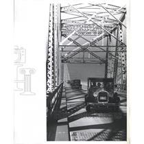 1964 Press Photo Model Restores Club