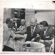 1960 Press Photo Jesse Owens, Edward Eagan, Floyd Patterson Meet in Rome