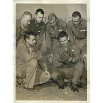 1942 Press Photo Washington Senators' Buddy Lewis with other Air corps cadets