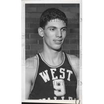 1954 Press Photo Basketball player Rudy Alexander wins scholarship - sps01776