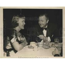 1948 Press Photo Actor Robert Young & Wife Enjoy Evening Out at Slapsy Maxie's