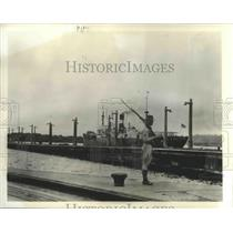 1939 Press Photo Cristobal,Panama Canal zone & guards along the waterway