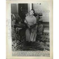 1950 Press Photo NY Giants' Eddie Stanky likes to golf in post season