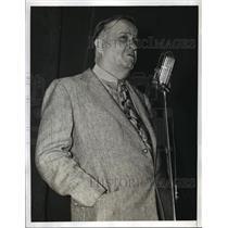 1943 Press Photo New York Maj George Eliot speaks at Newspaper Night NYC