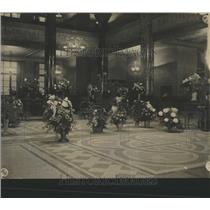 1928 Press Photo Denver National Bank Lobby Flowers