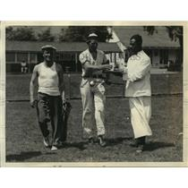 1933 Press Photo Bob Swanson at Sunset Fields with Caddy Larry O'Neill