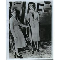 1977 Press Photo Lucile Garner and (left) Pat Eccleston, stewardesses