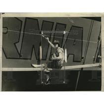 1925 Press Photo Dorothy Bliven paints Panama Mail Liner  Venezuela for jubilee