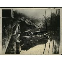 1925 Press Photo fatal derailment of Bordeaux-Paris Express train - neo07821