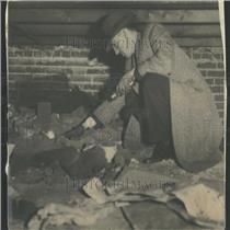 1934 Press Photo Maus Digging Basement Floor