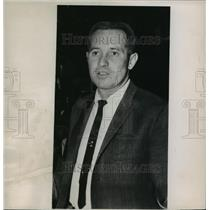 1963 Press Photo Dick McGuire, Coach of the New York Knicks - mja56734