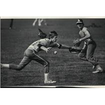 1983 Press Photo John Lutz Makes Recovery From Injury Milwaukee High Baseball