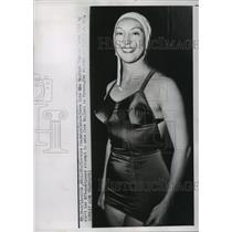 1951 Press Photo Swimmer Florence Chadwick Before Crossing the English Channel
