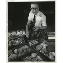 1964 Press Photo University of Wisconsin professor Carl J. Bowser - mja52933