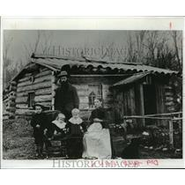 1893 Press Photo Pioneer Home of Nels Wickstrom, Florence County, Wis., 1893