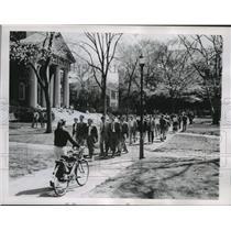 1962 Press Photo Change of Classes Harvard University Cambridge, Massachusetts