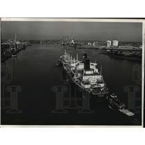 1977 Press Photo Descartes as it Entered Boston Harbor Boston, Massachusetts