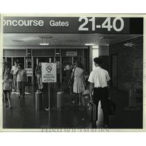 1980 Press Photo No-Smoking Sign in Minneapolis-St. Paul Airport in Minnesota