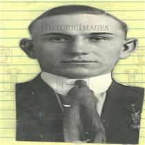 1924 Press Photo Eddie Bohn Black Coat Tie Still Look