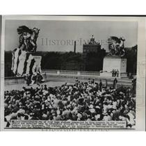 1926 Press Photo Two of Four Statues Presented to U.S. by the Italian People