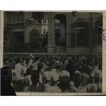 1921 Press Photo Mob at Home of Premier Adli Yakan Pasha, Egypt - neo03063