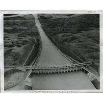 1946 Press Photo Spillway on the Missouri river at Montana's Fort Peck dam