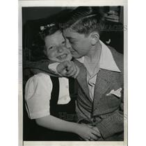 1948 Press Photo French Orphans Paulette and George Reunited in New York