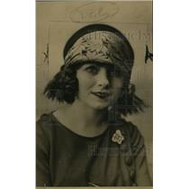 1926 Press Photo Violet Oliver of California - neo04984