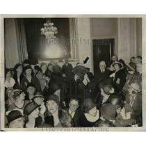 1932 Press Photo Bishop Cannon Chase In Women's Organization Meeting - nep04549