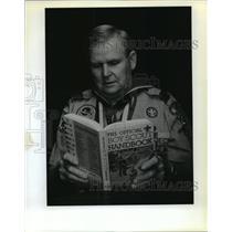 1990 Press Photo Boy Scout David Anderson Reminisces 50 Years Plus - noa14007