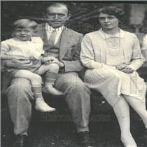 1926 Press Photo Mr Mrs William Mackenzie Son Bily Show