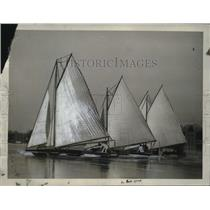 1922 Press Photo Annual Regatta of Ice Yachts on Shrewsbury River of NJ