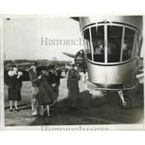1939 Press Photo Mrs.Hazel Schippel christened the Rainbow Plane - nef65799