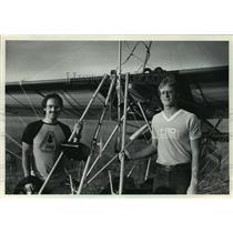 1983 Press Photo Paul Eckardt and Terry Bowe and their ultralight training plane