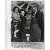 1964 Press Photo Jerrie, Valerie & Russell Mock in Front of Jerrie's Airplane