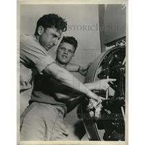 1938 Press Photo Flight Eng. Gerland Brown & Asst. Flight Eng. Stephen Barrinka
