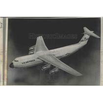 1965 Press Photo Government Awarded $12 Billion Contract to Lockheed Aircraft