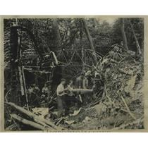 1934 Press Photo Two Amateur Pilots Discovered Burned Wreckage of American Liner