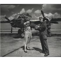 1952 Press Photo Joan & Charles Labracke at Chanute Air Force Base in Rantoul