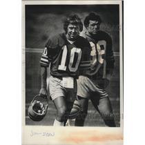 1980 Press Photo Seattle Seahawks football quarterback, Jim Zorn and teammate