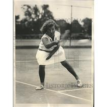 1929 Press Photo Dorothy May Bundy during match with Mary Greef, Women's Singles
